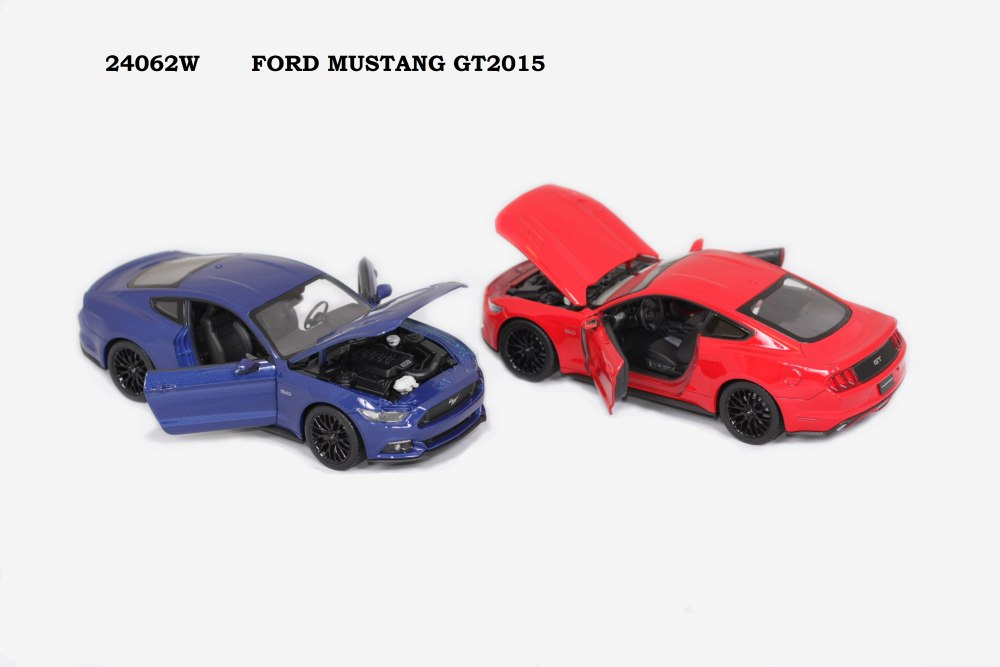 Welly Машинка 1:24 FORD MUSTANG GT2015 24062W